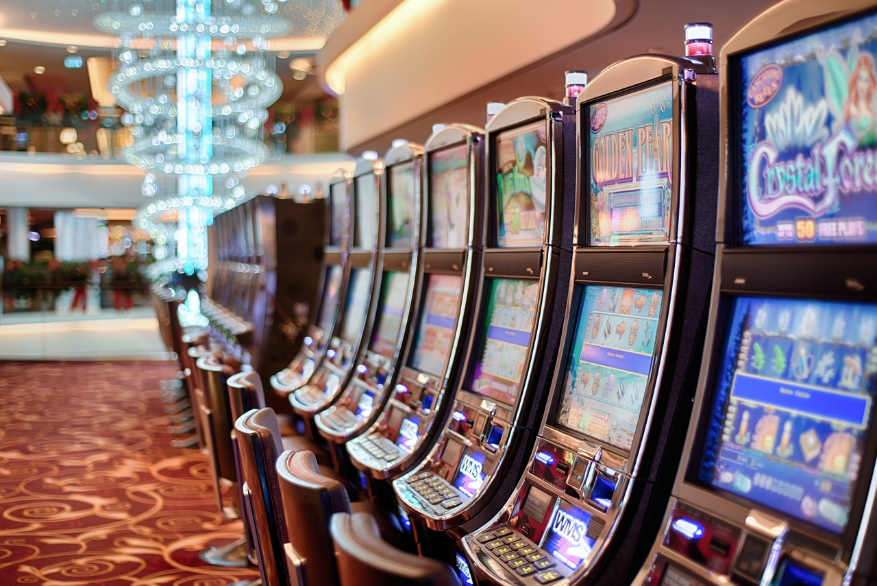 win jackpots and get big bonuses playing online slots